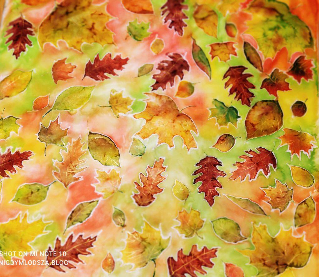 Malowanie najedwabiu: liście