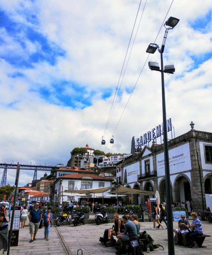 Piwnice Porto wVila Nova de Gaja - jedna zbardziej znanych Sandeman