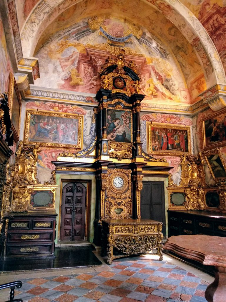 Złoto imarmury wportugalskich kościołach