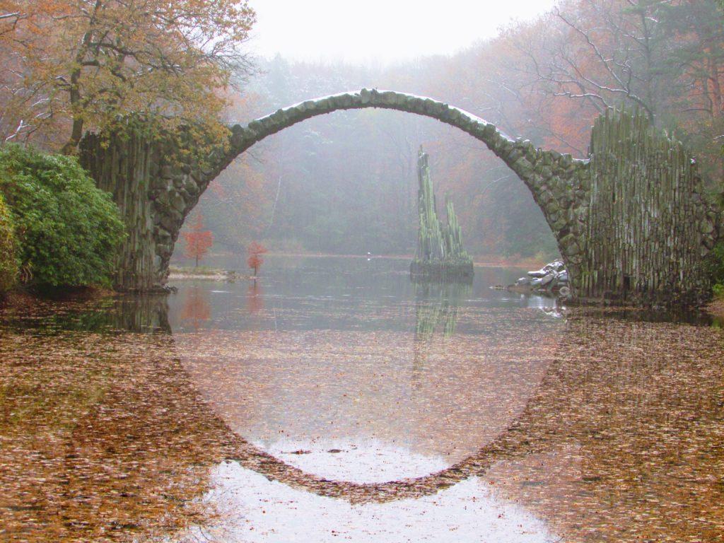 Most Diabła wKromlau – jesienią