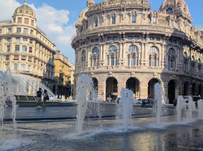 Genua nie jest miastem turystycznym jednak warto je zwiedzić bo zdecydowanie zachwyca.